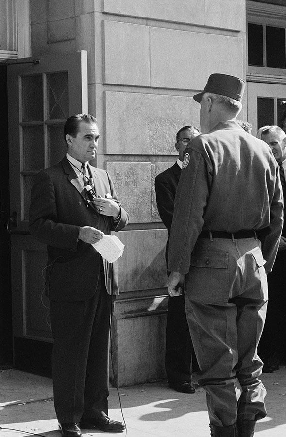 Alabama Governor George Wallace blocks the door to Foster Auditorium, University of Alabama, Tuscaloosa, June 11, 1963. Photo by Shel Hershorn. di_08148