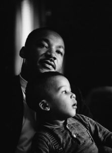 Dr. Martin Luther King Jr. with his son Dexter. Photo by Flip Schulke. Flip Schulke Photographic Archive. di_08837
