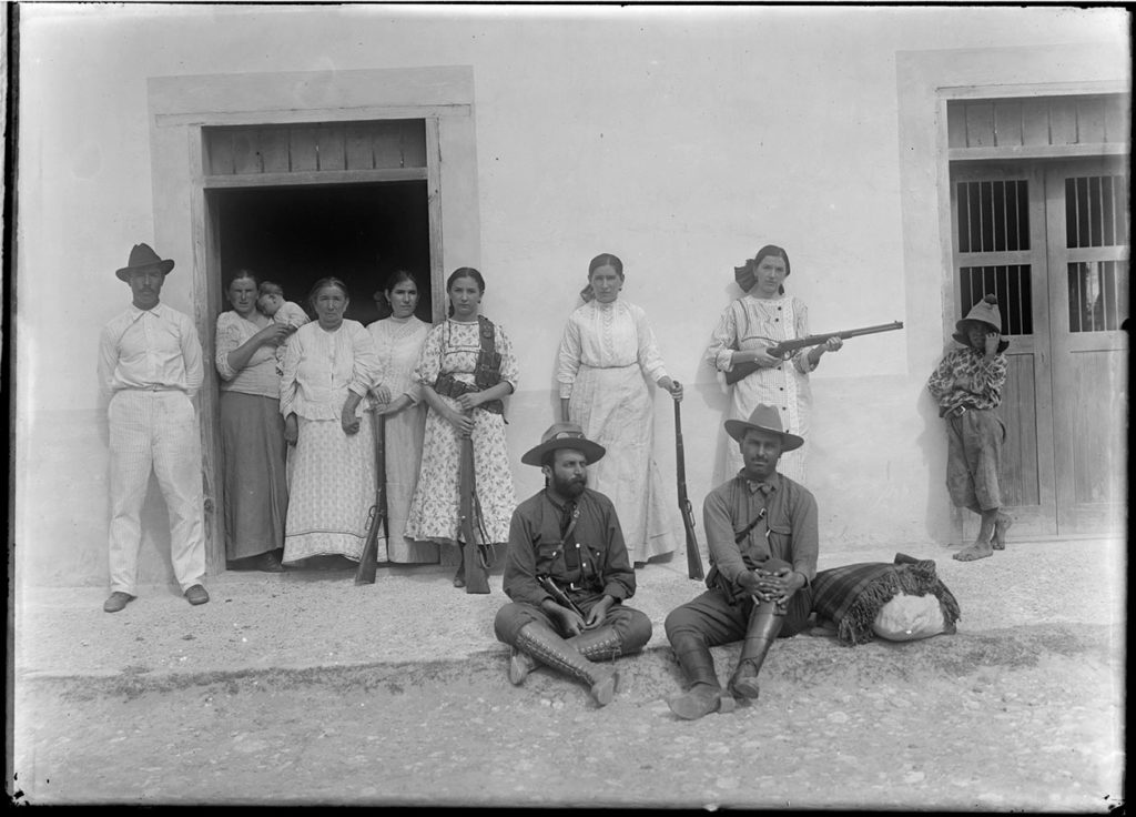Soldaderas, Lower Rio Grande Valley, 1913. Photo by Robert Runyon. run_00152