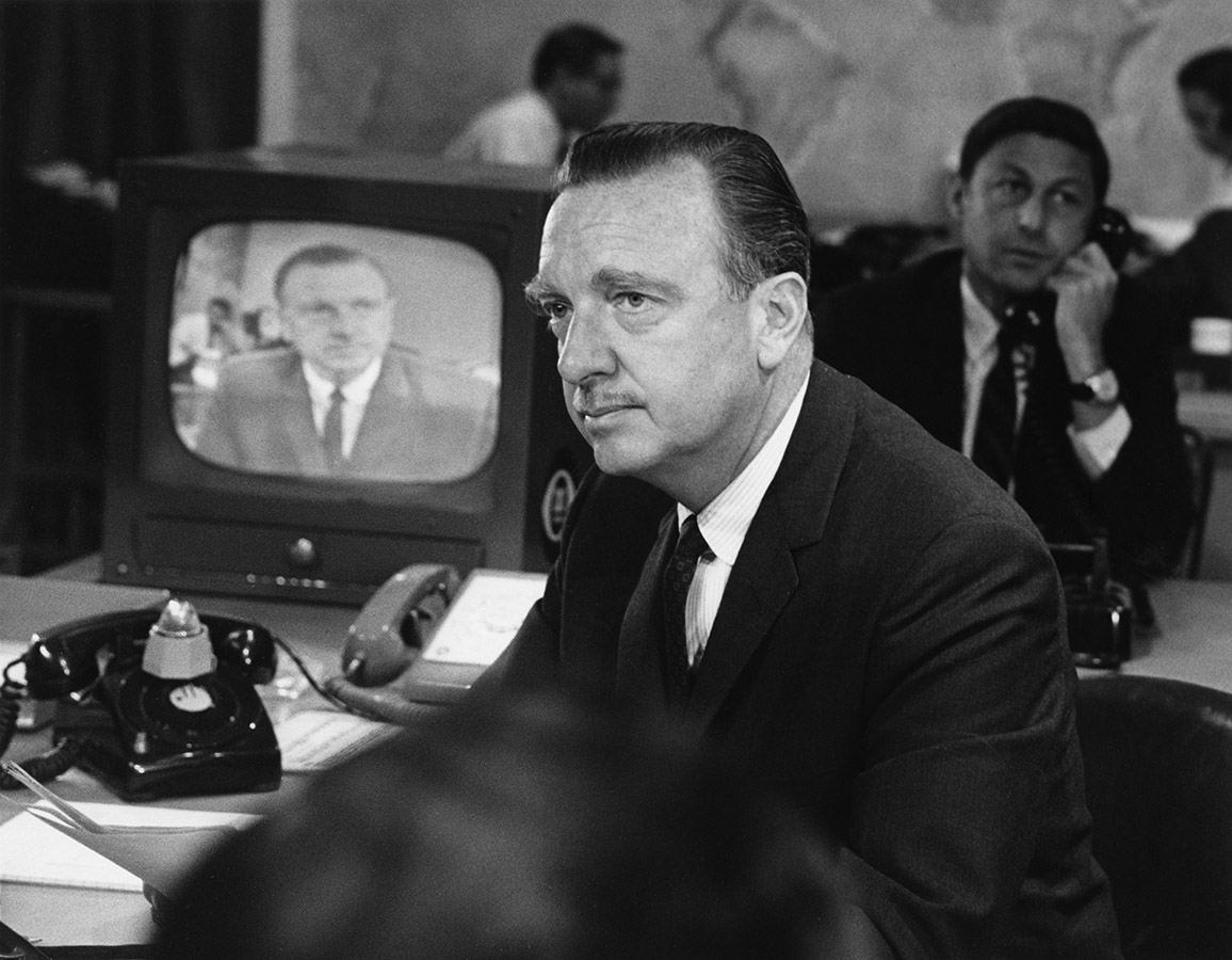 Walter Cronkite at the CBS news desk, 1952. Walter Cronkite Papers. di_05473